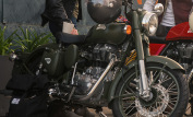Royal Enfield Classic 500 Battle Green 5
