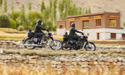 Royal Enfield Classic 500 Stealth Black 10