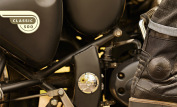 Royal Enfield Classic 500 Stealth Black 11