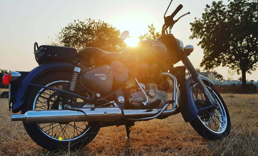 Royal Enfield Classic 500 Squadron Blue 4