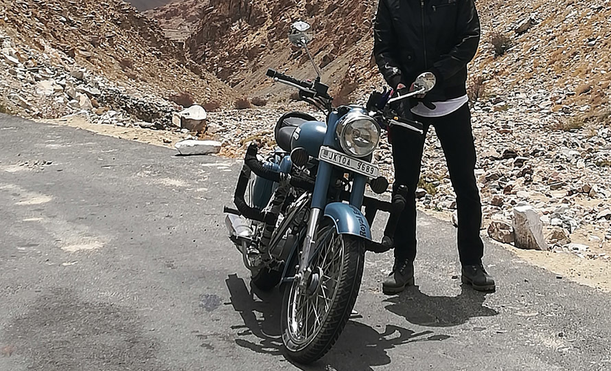 Royal Enfield Classic 500 Squadron Blue 7