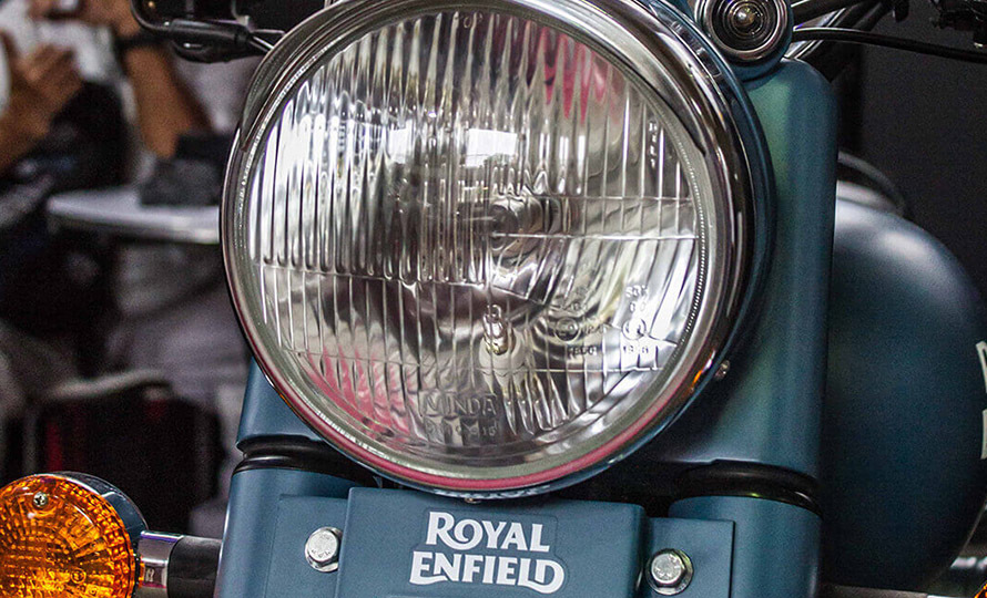 Royal Enfield Classic 500 Squadron Blue 8