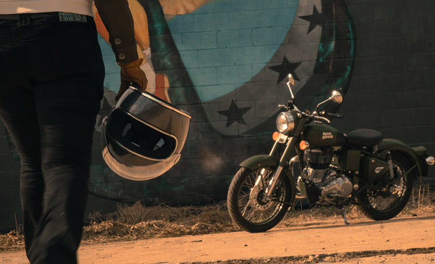 Royal Enfield Classic 500 Battle Green 8